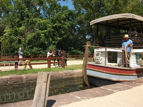 potomac boat rides canal locks tavern picture of great falls canal boat