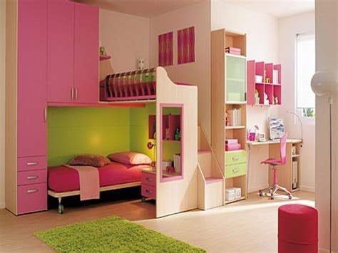 floor to ceiling bedroom furniture bunk bed with bedding and built in shelves for tween