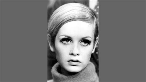 twiggy black and white twiggy through the years in pictures