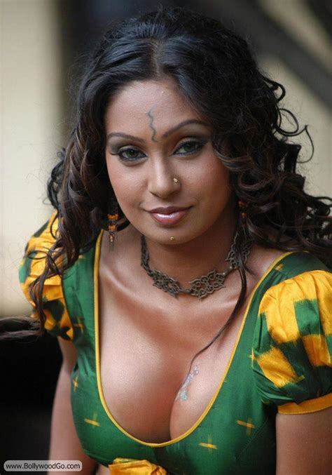 bollywood actresses clothes bollywood actress without clothes actresspls