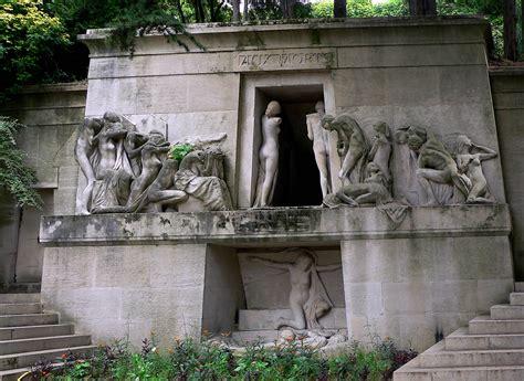 pere la chaise cemetery paris architecture france pere lachaise cemetery