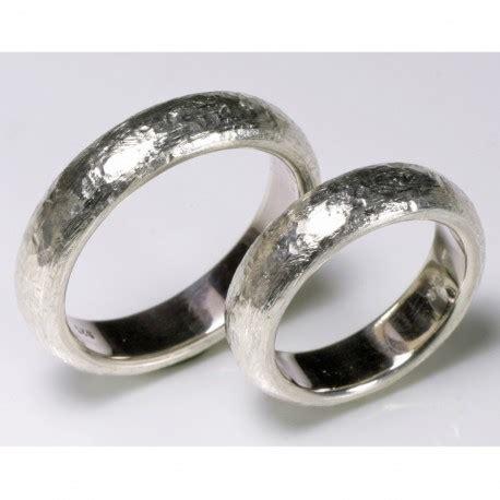 Eheringe 925 Silber by Silberne Gew 246 Lbte Partner Ringe Mit Einer Lebhaften