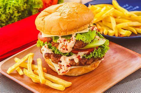 Beef Patties Yona Beef Patties Sapi beef burger special resep dari dapur
