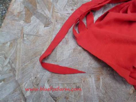 shirt cutting method images how to cut t shirts into strips easy and quick method