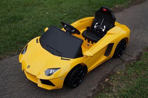 yellow lamborghini aventador lp700 4 6v lamborghini lp700 aventador 6v electric children s battery