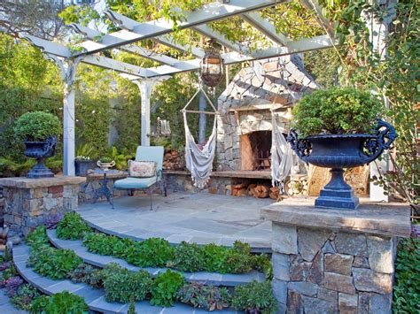 outdoor sitting area ideas our favorite designer outdoor rooms outdoor spaces