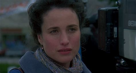 groundhog day andie macdowell macdowell gifs find on giphy