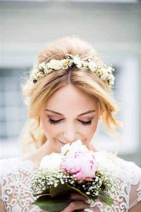 Hochzeitsfrisur Blumenkranz die besten 17 ideen zu blumenkranz auf