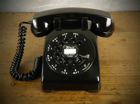 Bell Phone classic black bell systems 500 series 50 s telephone