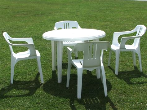Plastic Patio Table And Chairs Outdoor Plastic Chairs And Tables Doors