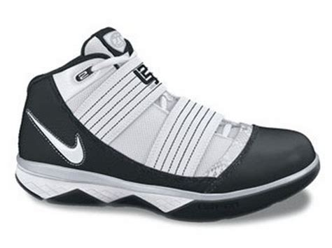 Sepatu Basket Nike Lebron 11 Soldier Wheat nike zoom lebron soldier iii team bank colorway preview
