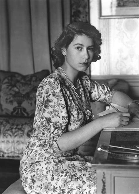 HRH Princess Elizabeth II, aged 18, 1944 : ColorizedHistory