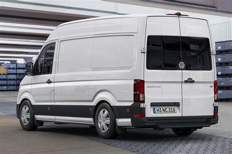 volkswagen crafter 2017 a look at the 2017 volkswagen crafter motoring