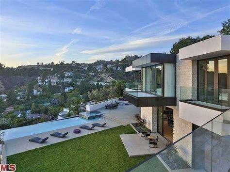keanu reeves house hollywood hills celebrity pools
