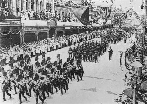 1901 1 Set 2 In 1 file statelibqld 1 124663 australian commonwealth celebrations procession brisbane 1901 jpg
