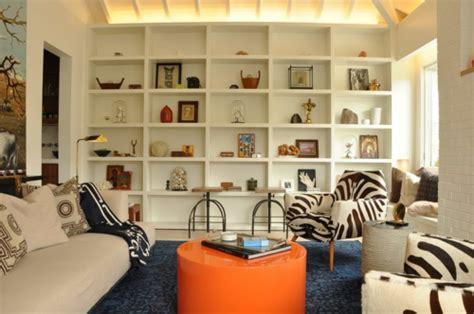 farbmuster wohnzimmer moderne inneneinrichtung mit farbe orange als haupt und