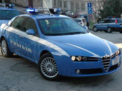volante polizia terni polizia smaschera borseggiatrice seriale radio