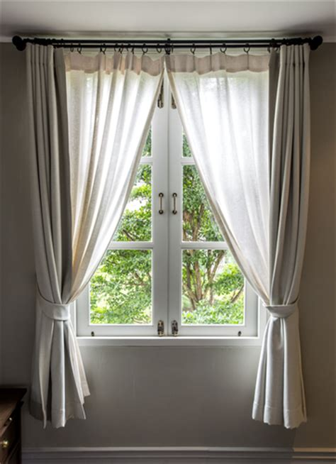 in home drapery cleaning 6 things you should know about curtain cleaning
