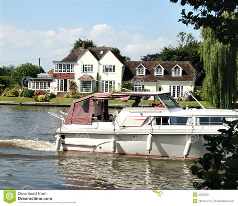 thames river cruise summer timetable boat on the river thames stock photography image 2530522