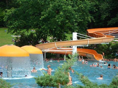 Kleines Bad Wuhlheide by Sommerbad Am Insulaner Sommerbad In Berlin Steglitz