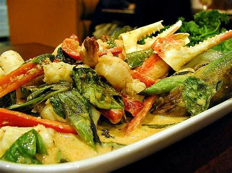 file thai food crabs claws basil jpg wikimedia commons