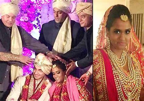 arpita khan wedding card pics kisah adik angkat salman khan gosip antarabangsa gosip
