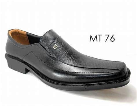 sepatu kulit asli khas mojokerto 4 pengrajin sepatu kulit mojokerto grosir pabrik produsen