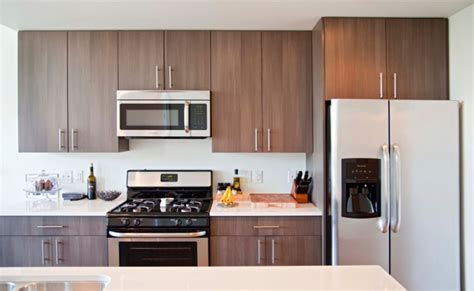 East Gourmet Kitchen by East Terrace Apartments Milwaukee Sustainable Modern