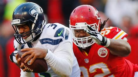 russell wilson bench press chiefs use fourth down stops to hand seahawks loss article tsn