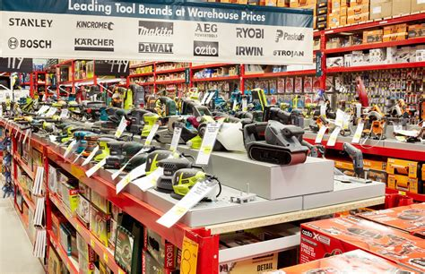 first bunnings warehouse store in the uk opens for trading