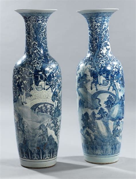 due grandi vasi cinesi a balaustra in porcellana xix