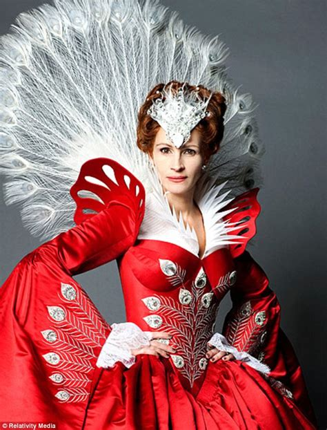film evil queen julia roberts snow white photos new stills from upcoming