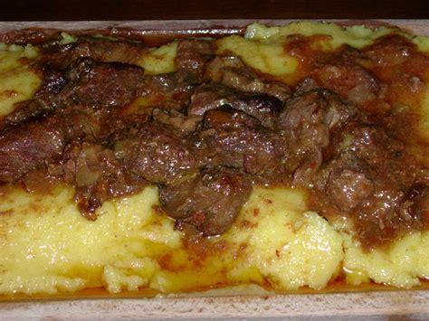 come si cucina la carne di cervo ricetta tradizionale spezzatino di cervo