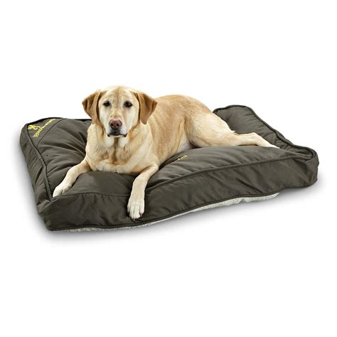 guide gear pillow top gusset dog bed 657471 kennels browning 174 dog bed 156568 kennels beds at sportsman s