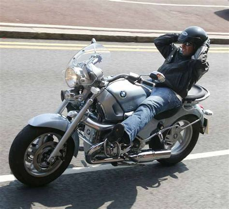 bmw r1200c review bmw r1200c 1997 2005 review mcn