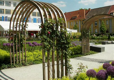 rosenbogen aus holz selber bauen 1253 rosengarten rosenbogen aus holz und edelstahl