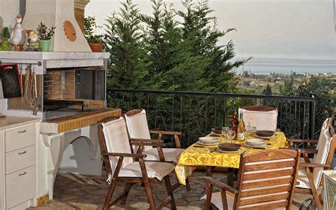 appartamenti corfù ojeh net sedie bianche cucina