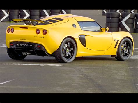 how cars work for dummies 2005 lotus exige regenerative braking 2005 lotus sport exige 240r rear angle 1920x1440 wallpaper