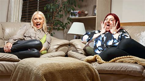 gogglebox posh couple fell off sofa gogglebox set to get another spin off starring teenagers