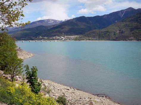 serre poncon lake tourism holiday guide