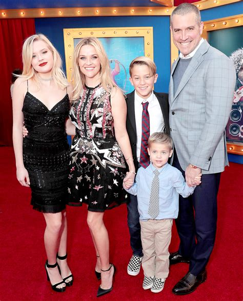 Legally Reese Witherspoon And Phillippe Separated by Reese Witherspoon Talks Phillippe Marriage