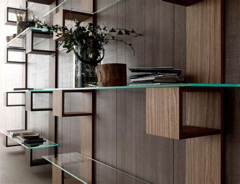 scaffali in vetro libreria moderna in legno con ripiani in vetro per