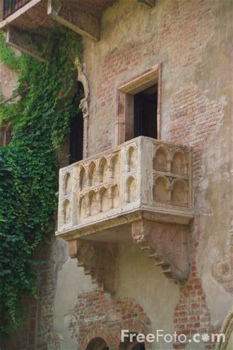 balcony theme romeo and juliet romeo and juliet balcony verona italy pictures free use