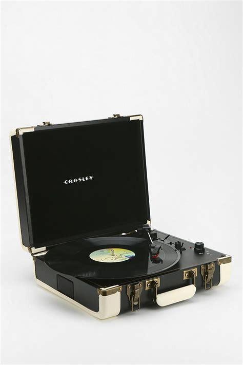 Pajangan Dinding Arctic Monkeys Vintage crosley executive usb portable vinyl record player arctic monkeys retro vintage and daft