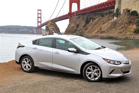 power chevrolet 2016 chevrolet volt named green car of the year