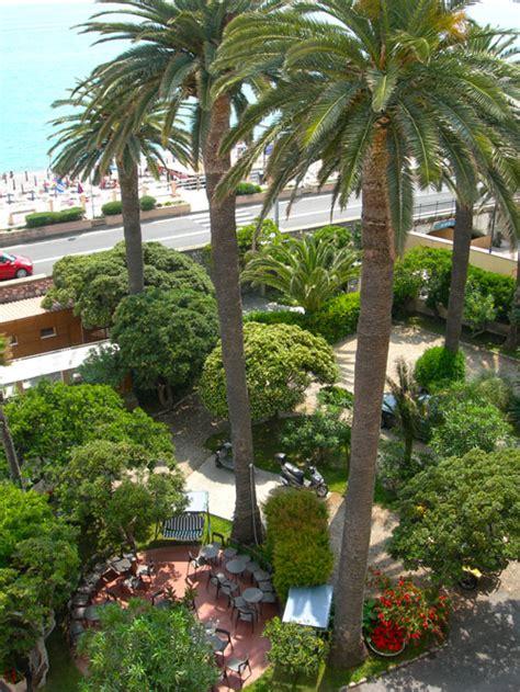 hotel giardino finale ligure hotel per famiglie con bambini a finale ligure riviera