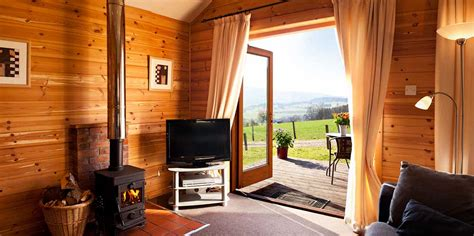 lodges with hot tubs cottages and large house