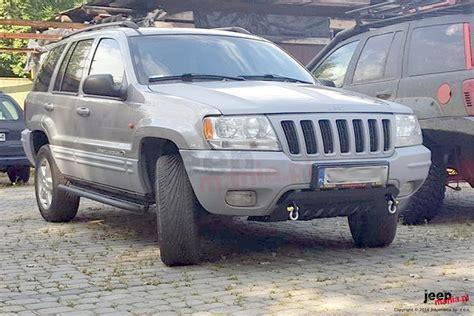 04 Jeep Grand Osłona Z Uchwytami Do Szarpania Holowania Czarna 98 04