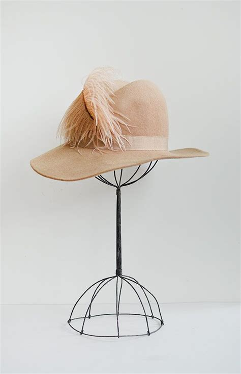 big thing 1970s and feathers on pinterest vintage 1970s light tan fedora with pink feather adored