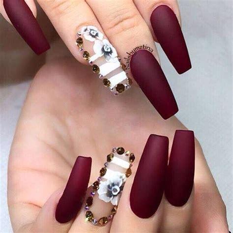 imagenes de uñas acrilicas decoradas unas acrilicas decoradas con base de color negro francesa
